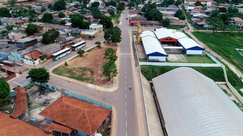 Prefeito de Santarém entrega anel viário da Nova República com 4,7 mil metros de ruas asfaltadas