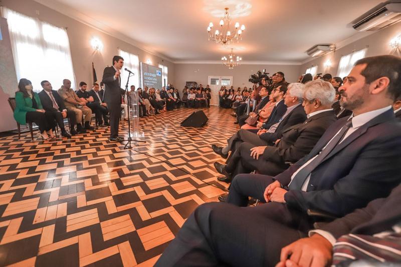 Helder assina decreto e institui Força Estadual de Combate ao Desmatamento no Pará