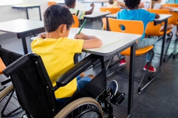 Colégio Militar de Manaus deve aceitar matrículas de alunos com deficiência, determina Justiça Federal