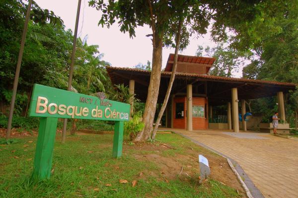 Bolsa Universidade convoca beneficiários para atuar no Bosque da Ciência, em Manaus