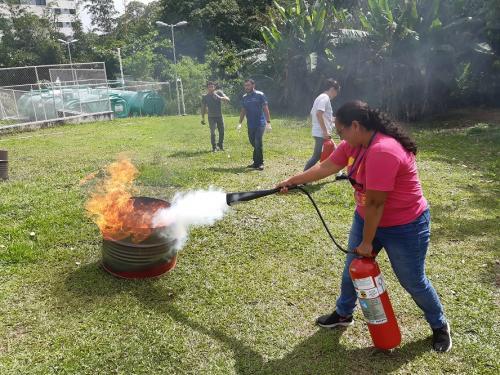 Fundação de Medicina Tropical forma turma para brigada de incêndio