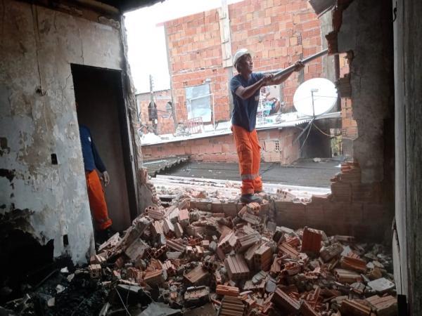 Prefeitura de Manaus realiza nova vistoria em área de incêndio no São Lázaro