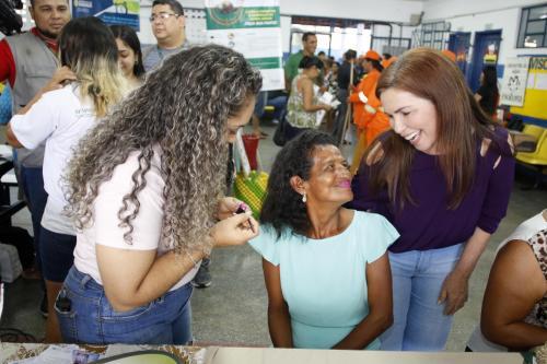 Mulheres da zona Norte recebem atenção especial no 'Prefeitura + Presente'