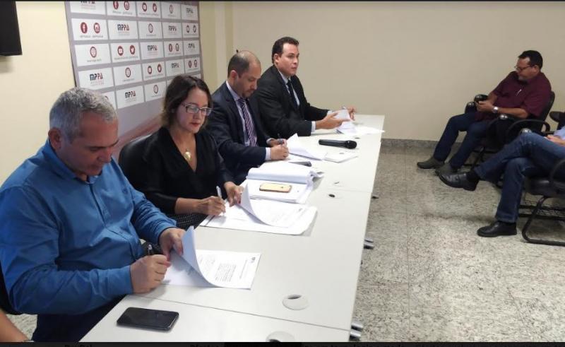 Em nova reunião, MPPA mantém que prefeito de Santarém tem até 31 de março para demitir temporários