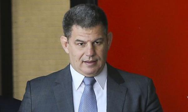 Ex-ministro Gustavo Bebianno, desafeto do clã Bolsonaro, morre após infarto fulminante
