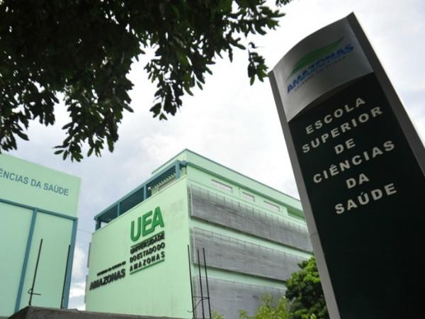 UEA divulga editais para contratação de professor temporário