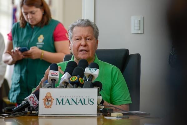 Prefeito antecipa recesso escolar e estabelece home office para idosos em prevenção à Covid-19