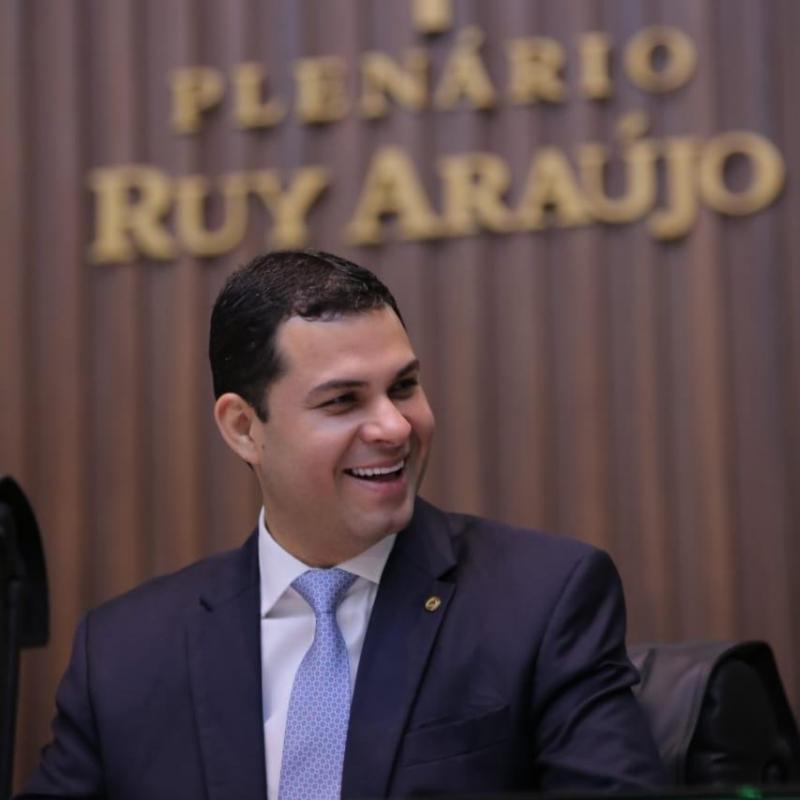TRE/AM nega cassação e diz que Saullo não cometeu infidelidade partidária