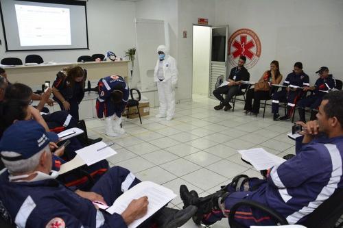 Urgência da Prefeitura de Manaus treina profissionais para atendimento de pacientes com Covid-19