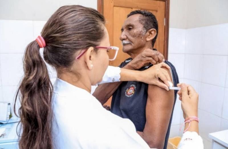 Idosos e Profissionais de Saúde abrem Campanha de Vacinação contra gripe em Santarém