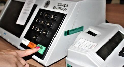Prefeitos defendem adiamento das eleições 2020 e querem votação única