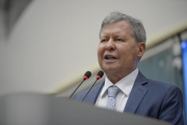 Arthur Neto decreta calamidade pública em Manaus e pede reconhecimento pela Aleam