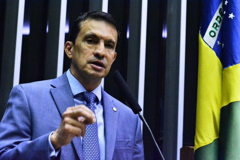 Sidney Leite pede a Moro o fechamento das fronteiras do Amazonas