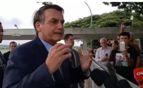 Após pronunciamento polêmico, Bolsonaro diz que 'ação dos governadores é crime'