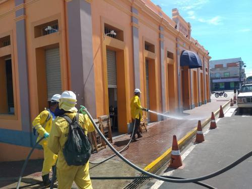 Higienização da cidade de Parintins recebe elogios e vira referência