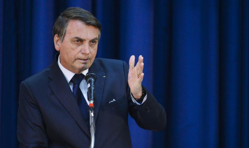 Após pronunciamento de conciliação, Bolsonaro volta a atacar governadores nesta quarta (01)