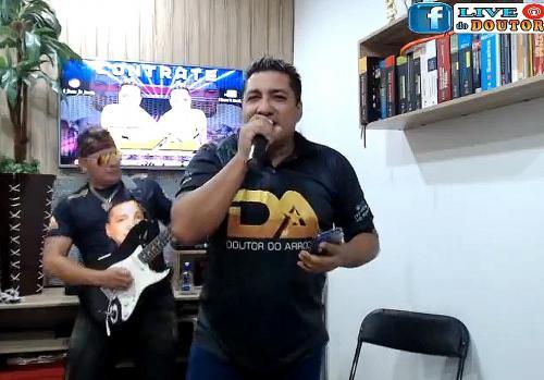'Doutor do Arrocha' faz live para arrecadar alimentos para músicos, em tempos de Covid-19