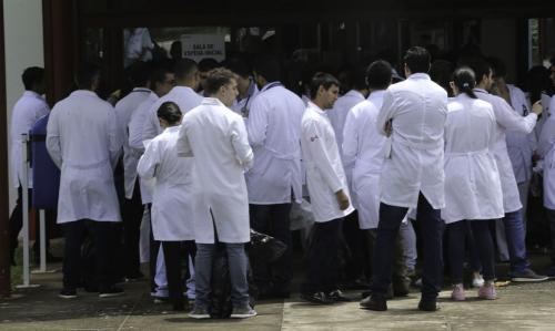 Governo Federal chama profissionais de saúde de todo o país para luta contra coronavírus