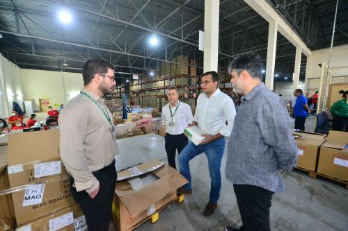 Governador recebe mais de 7 mil kits de EPIs produzidos pela UEA em combate à Covid-19