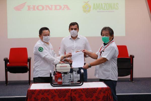 Wilson assina termo de cooperação com a Moto Honda para a produção de respiradores