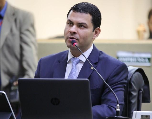 Saullo Vianna defende desconto de até 30% em mensalidades de escolas e faculdades durante pandemia