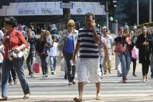 Governo Federal usará dados de celular para monitorar circulação de pessoas