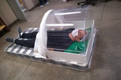 Adaptação de capacete de Hood feita em Parintins chama atenção de hospital em Manaus