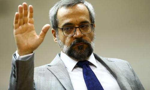 Weintraub diz que governo recorrerá de decisão sobre adiamento do Enem