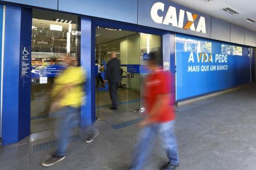 Agências da Caixa abrem duas horas mais cedo nesta segunda-feira (4)