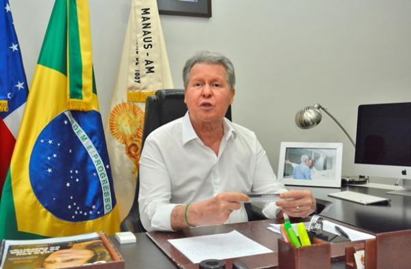 'Temo por um genocídio, Bolsonaro não liga para os povos indígenas', diz prefeito de Manaus