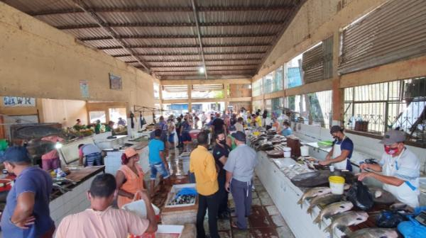 MP e DPE flagram aglomerações em feiras de Itacoatiara e preços abusivos em farmácias