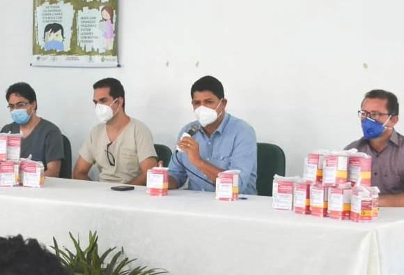 Em novo protocolo, Parintins entrega kits medicamentos a pessoas positivadas com coronavírus