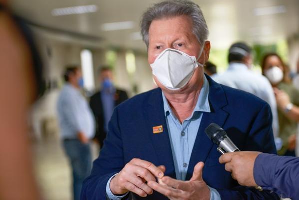 Prefeito de Manaus pede cautela na reabertura do comércio: 'não vamos criar uma falsa ilusão'