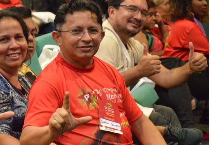 Sinésio Campos tira Zé Ricardo do páreo e será o candidato em Manaus