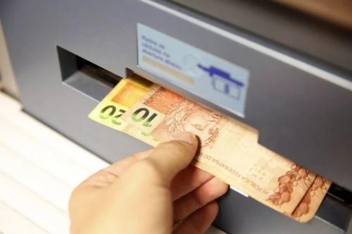 Governo libera até R$ 2.090 do PIS/PASEP para quem trabalhou em 2018 e 2019