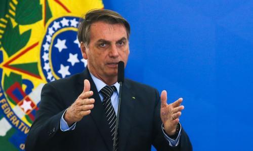 Em post enigmático, Bolsonaro anuncia crise institucional