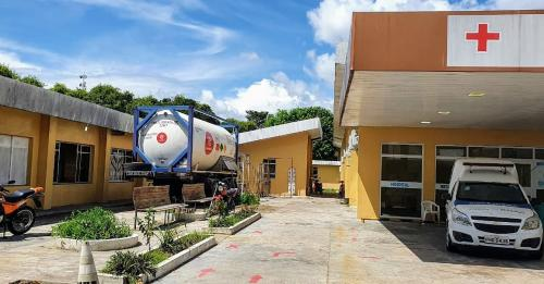 Prefeitura de Parintins instala tanque de oxigênio em hospital referência em coronavírus