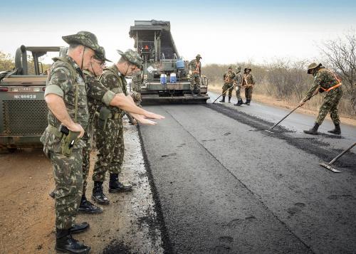 Exército vai contratar 522 profissionais para obras de infraestrutura
