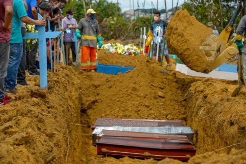 Brasil é o país com maior número de mortes de covid-19 em junho, diz OMS