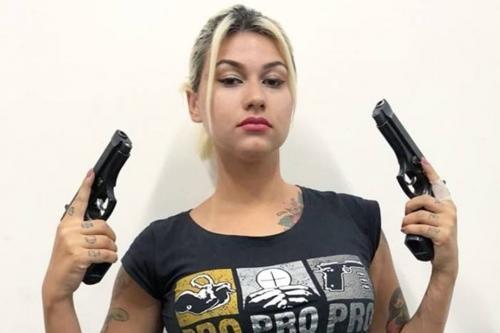 Sara Winter é presa pela PF em Brasília