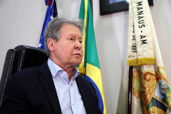 'É prematuro falar em novo pico', avalia prefeito de Manaus, em entrevista