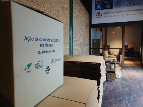 Chegam ao Amazonas 21,5 mil unidades de álcool gel e 300 mil máscaras para comunidades ribeirinhas e indígenas