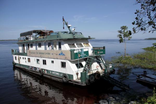 Em nova viagem, UBS Fluvial leva atendimento para comunidades do rio Amazonas