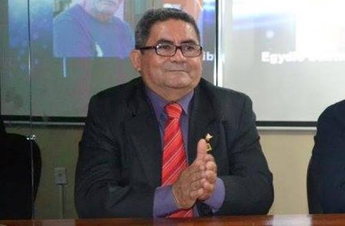 Desembargador reconduz Jonas Castro à presidência da Câmara de Figueiredo