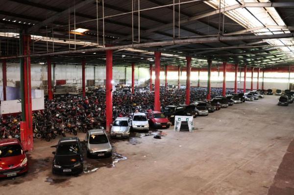 Detran-AM realiza primeiro leilão de 2020 com mais de 1 mil veículos