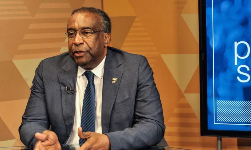 Ministro da Educação pode ter seu mestrado cassado pela FGV