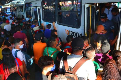 DPE-AM discute com setores da economia e poder público como reduzir aglomeração em ônibus e terminais