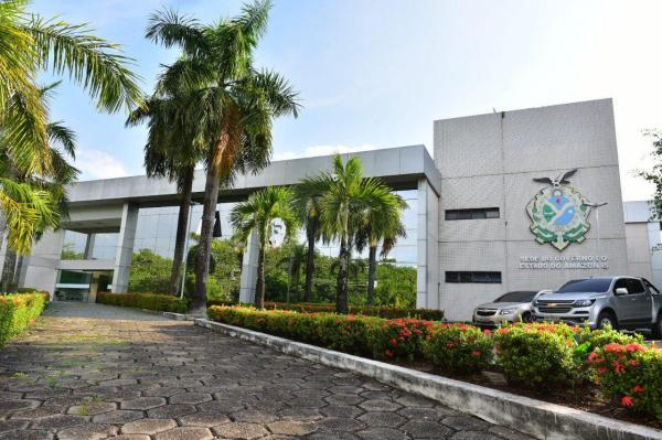 Operação da PF cumpre mandados na sede do Governo do Amazonas e na Susam