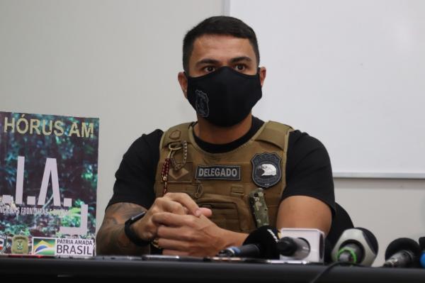 Três PMs presos pela Policia Civil suspeitos de apropriação de R$ 300 mil em ouro, em Manaus