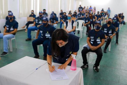 Adaf empossa 52 aprovados em concurso público